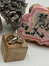 Load image into Gallery viewer, Rhodochrosite Stalactite Silver Ring ~19mm Size 7.5