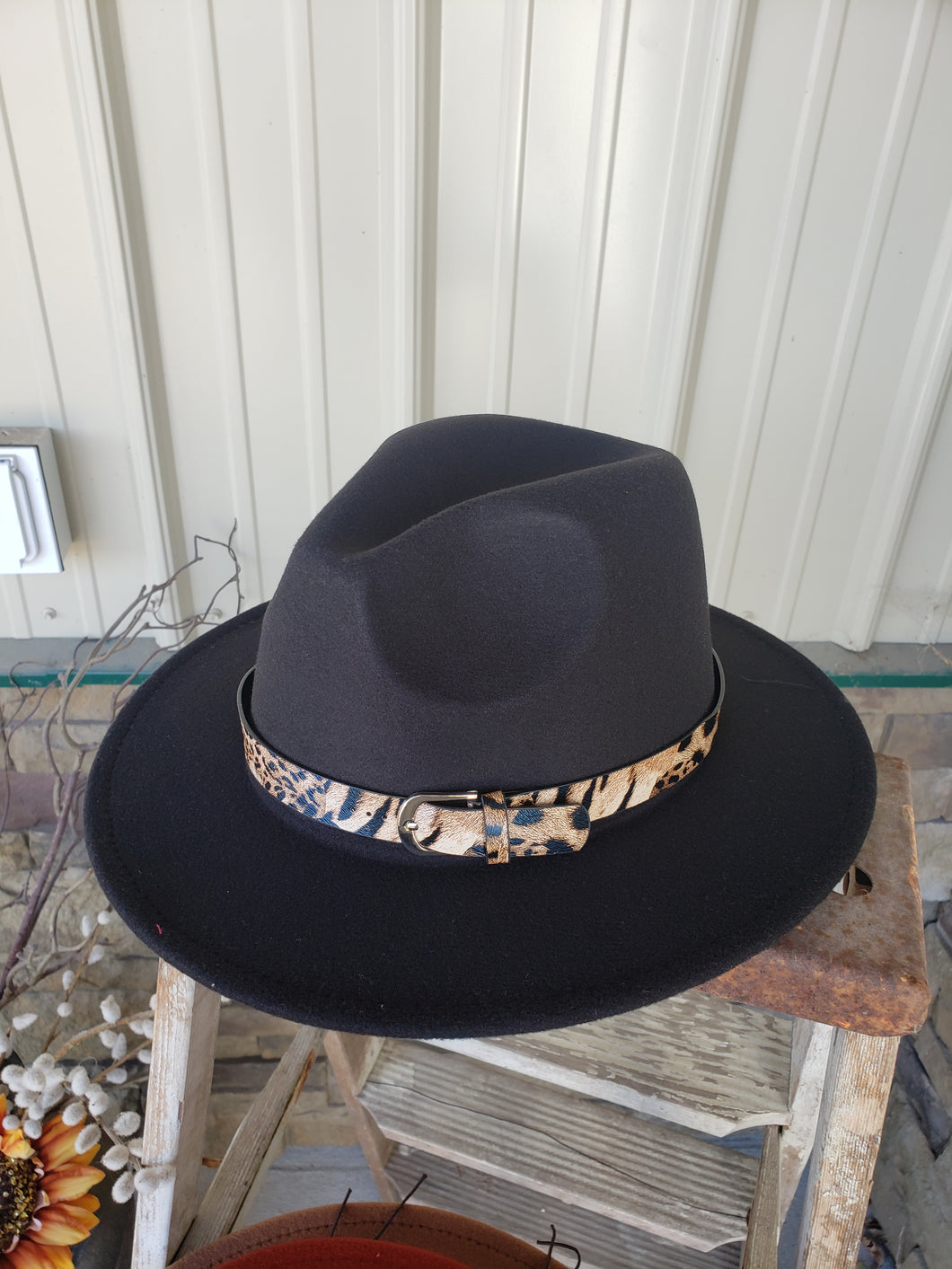 Black Felt Hat with Leopard Band