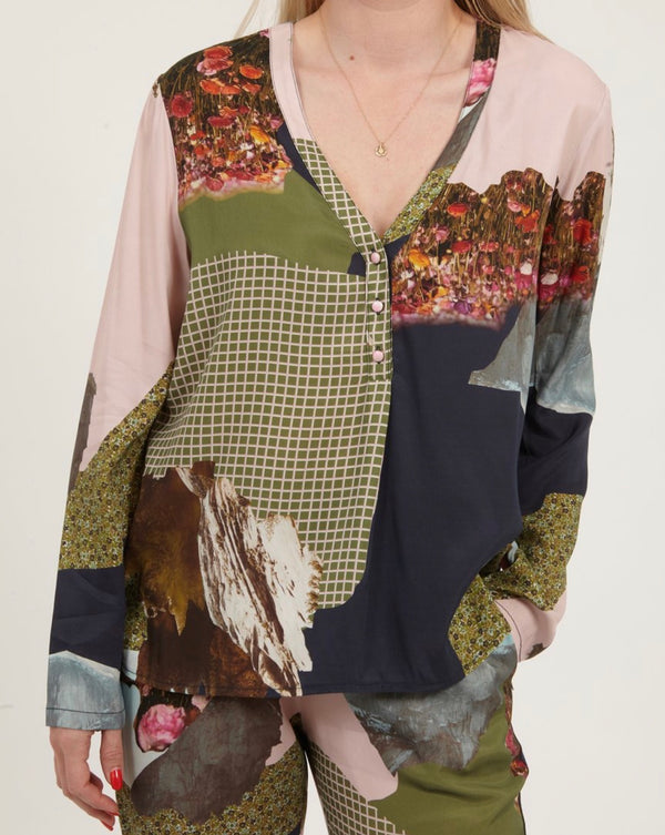 Blouse in mountain collage print