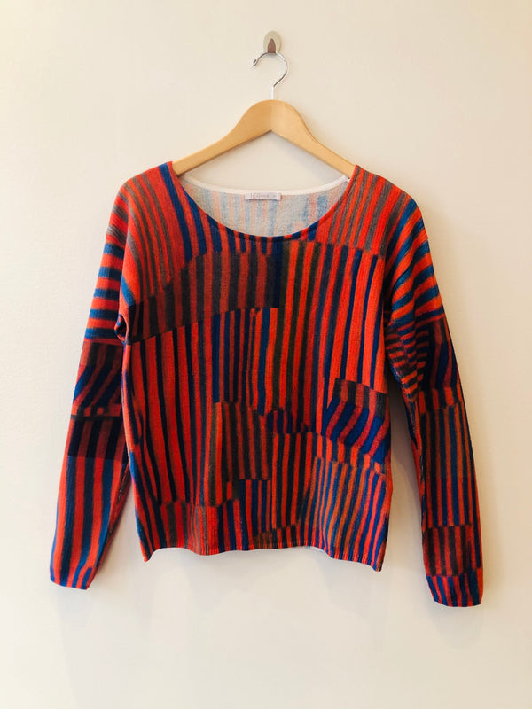 Sweater Scoop Neck Graphic Print