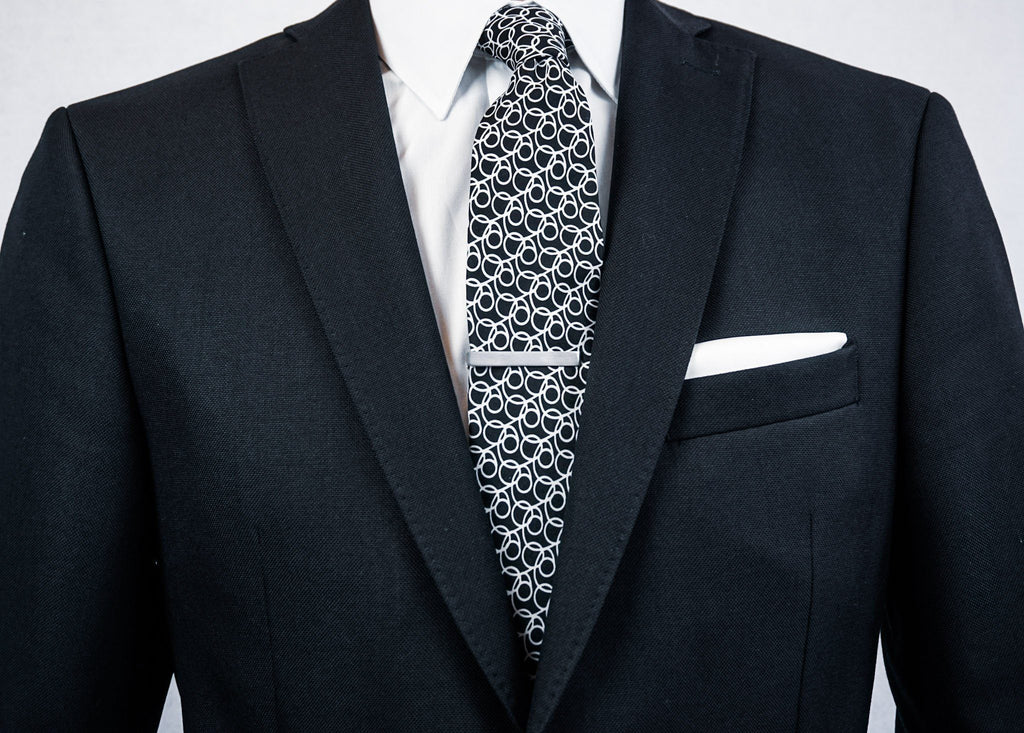 Why & How You Should Wear a Tie Bar