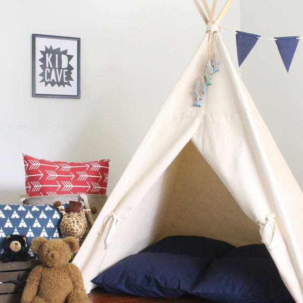 Natural Canvas Teepee Play Tent, Full Coverage Secret Hiding Place Teepee