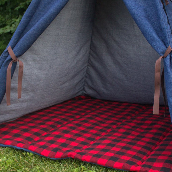 red and black buffalo check teepee mat