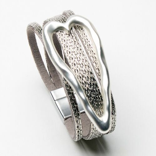 Load image into Gallery viewer, Eliza Gracious Heart Cuff Bracelet