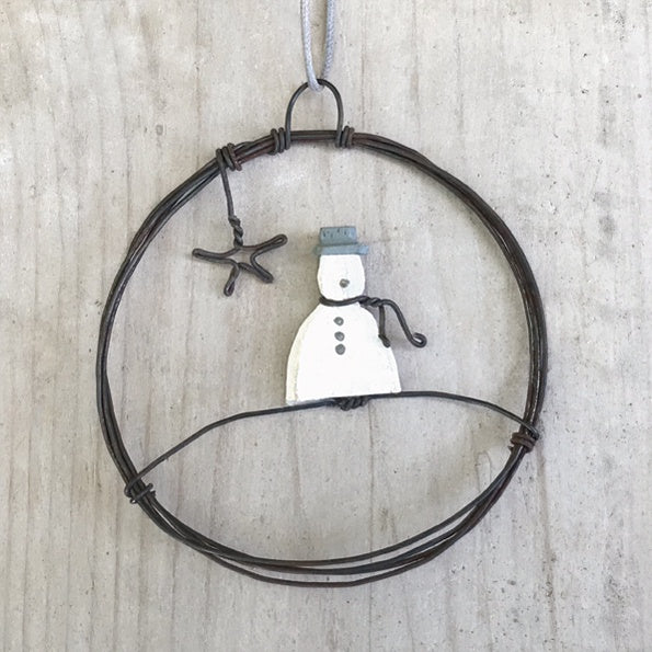 East of India Sml Hanging Metal Wreath-Snowman