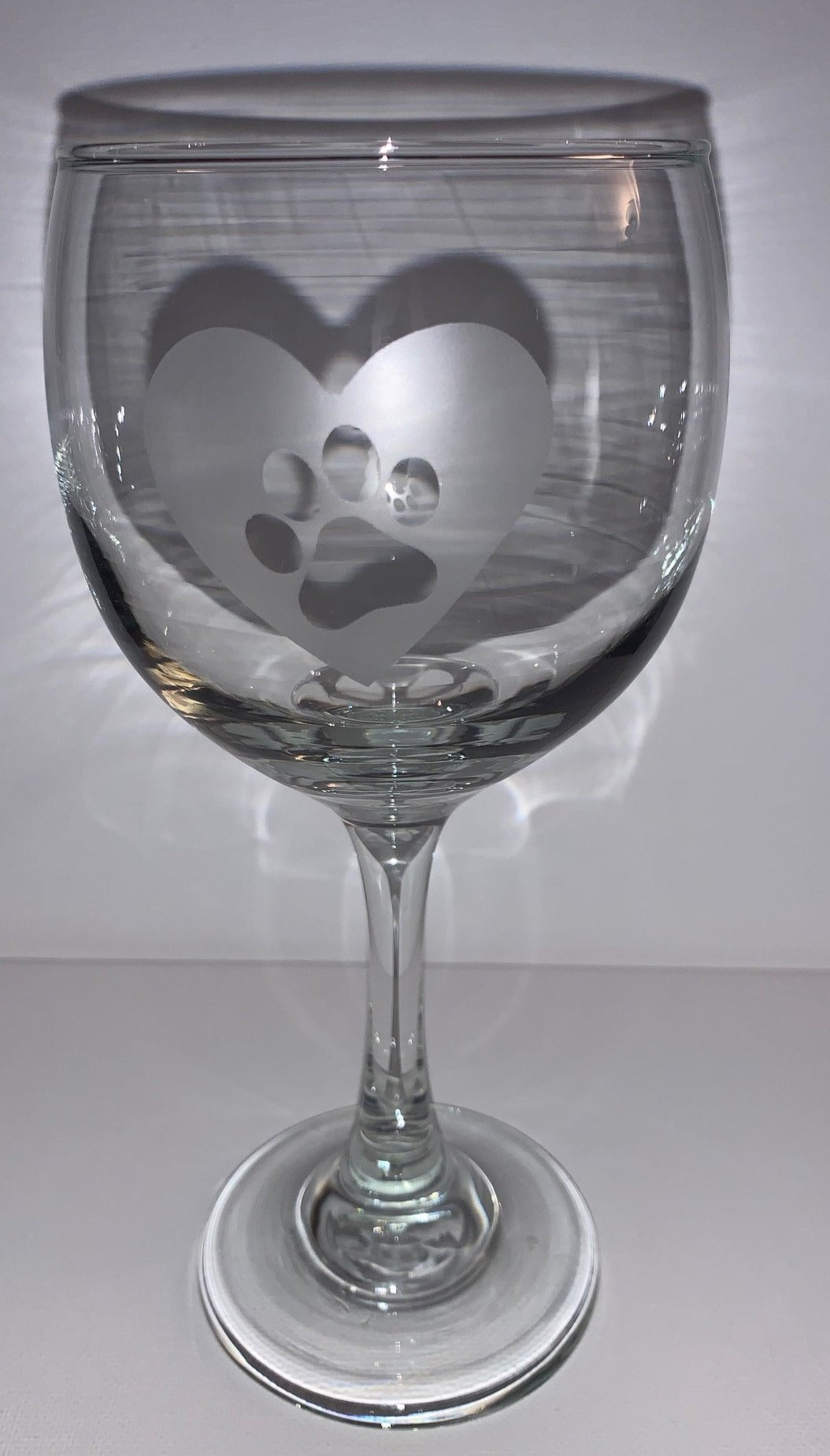 Etched Heart with Pawprint Wineglass