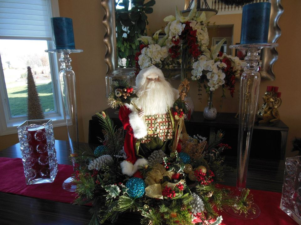 Santa Table Decor - Pezzo Bello Interiors