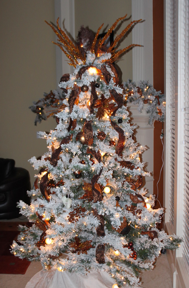 Bronze Christmas Tree - Pezzo Bello Interiors