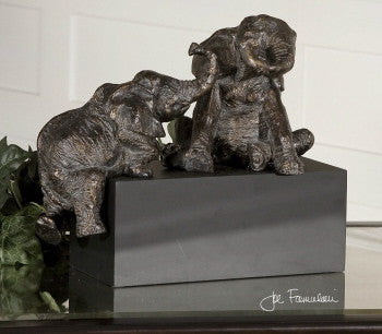 Playful Pachyderms , Sculture - Uttermost, Pezzo Bello