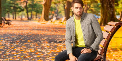 Easy ways to pull off a yellow t-shirt