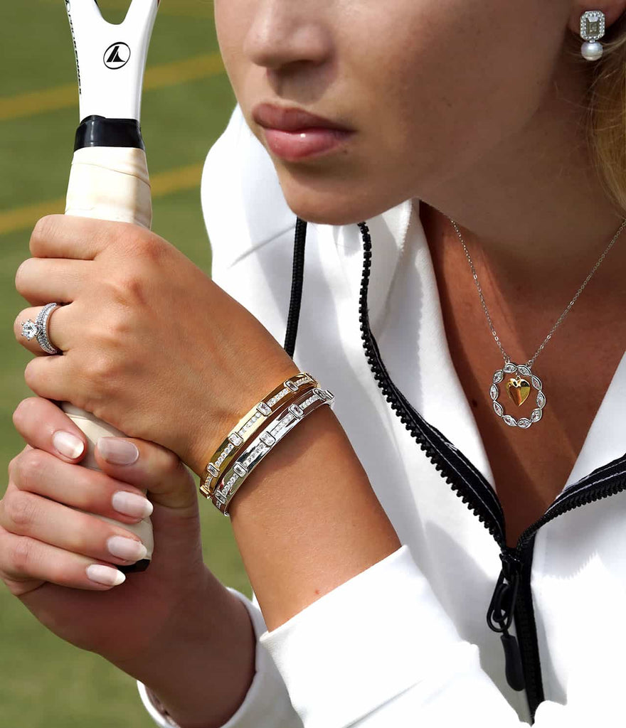 Tennis player wearing jewelry