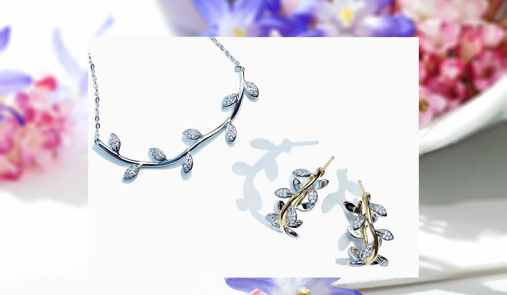 Abelstedt Flora necklace with matching earrings