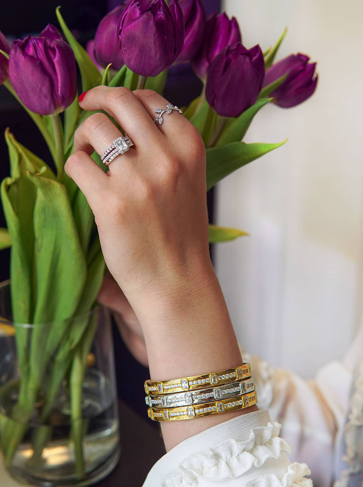 Julie Abelstedt hand with jewelry