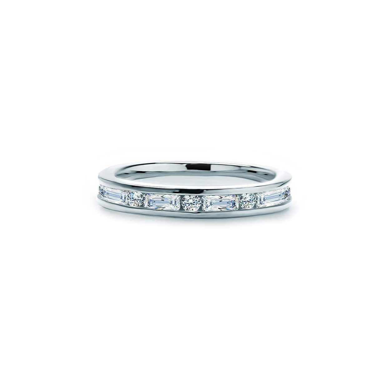 Oxford Silver Emerald & Round Cut Band Ring