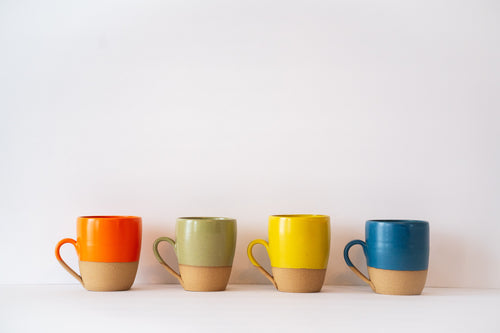 Line up 4 cappuccino mugs