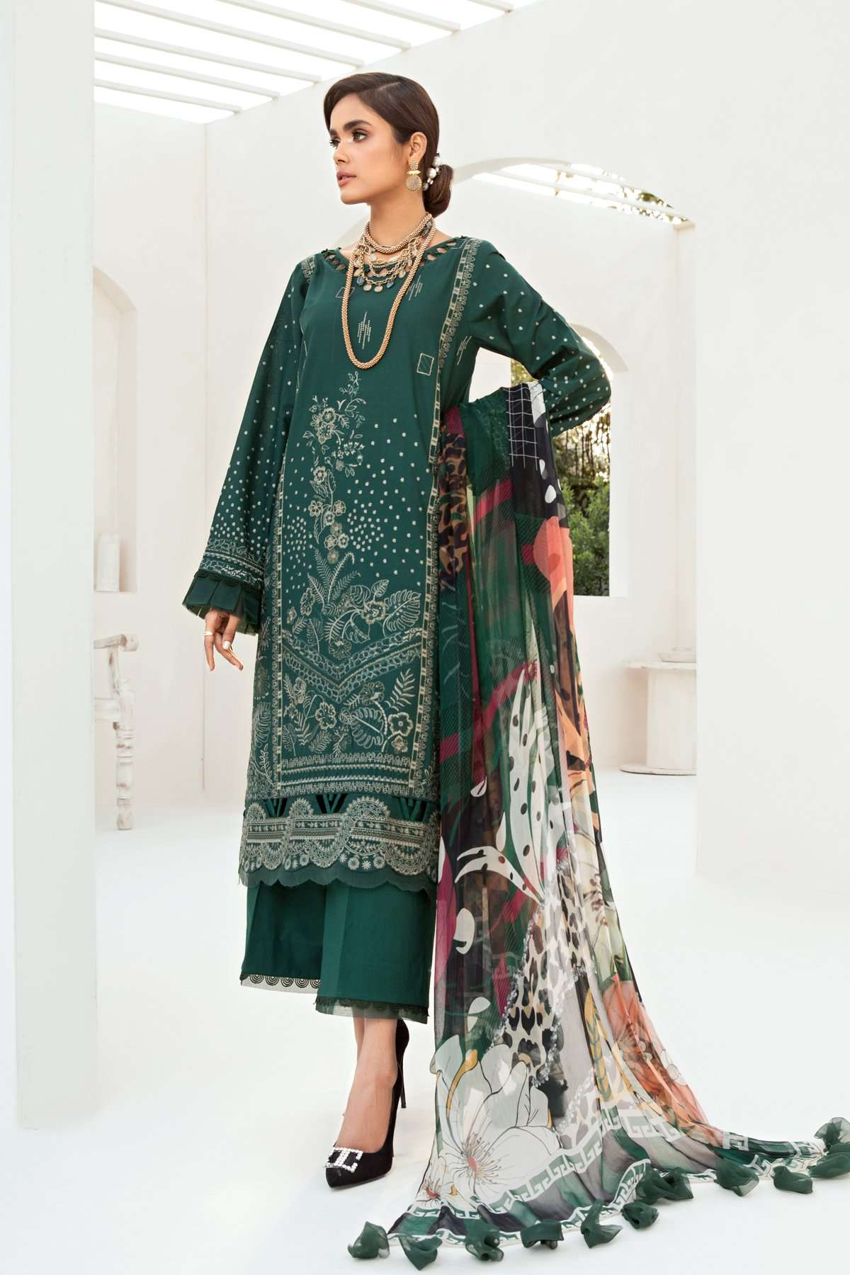 Ladies Un-Stitch Embroidered Lawn Festive Edition (Green Valley)