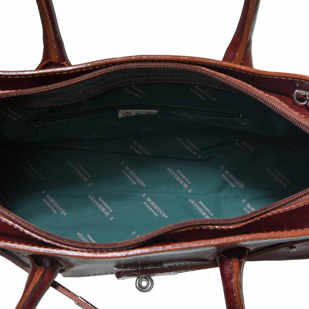 Inside of I Medici The Timeless Italian Leather Handbag
