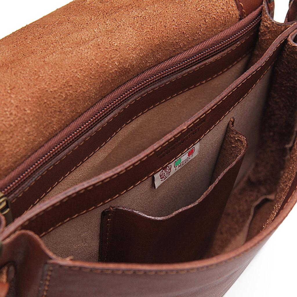 Inside of I Medici Anzio Crossbody Purse