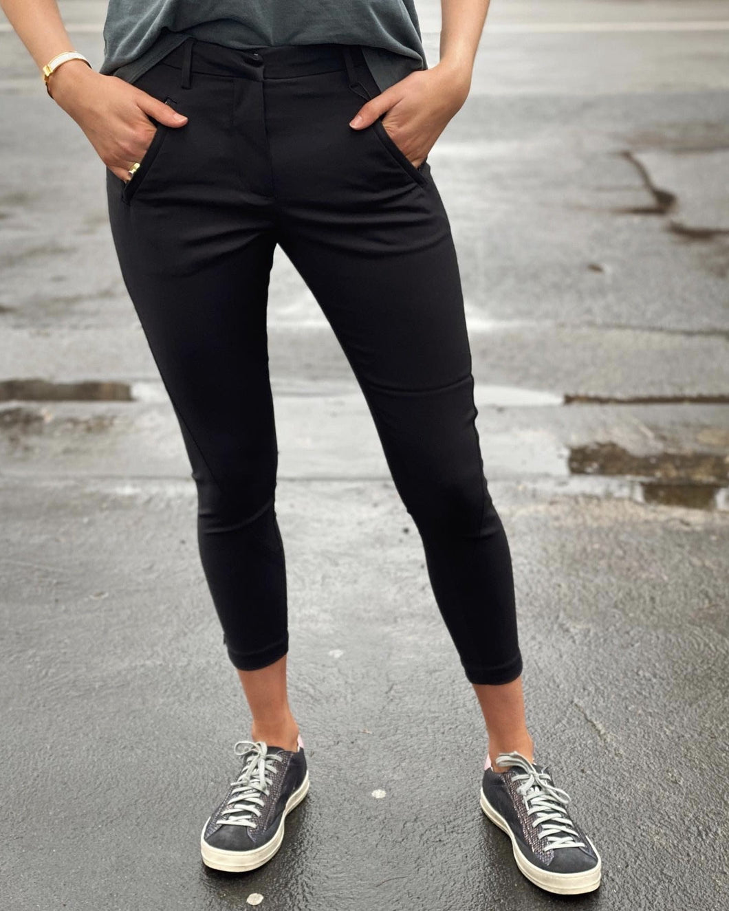 Angelie Pant Black by Five Units