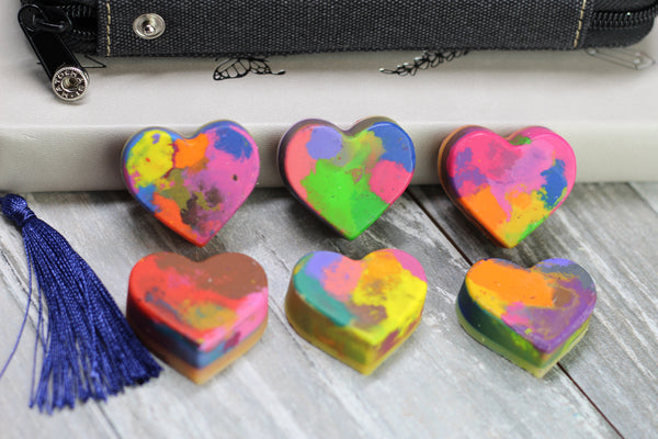 Valentines Rainbow Heart Crayon Favors for Class / Rainbow Heart Crayons Gift Set