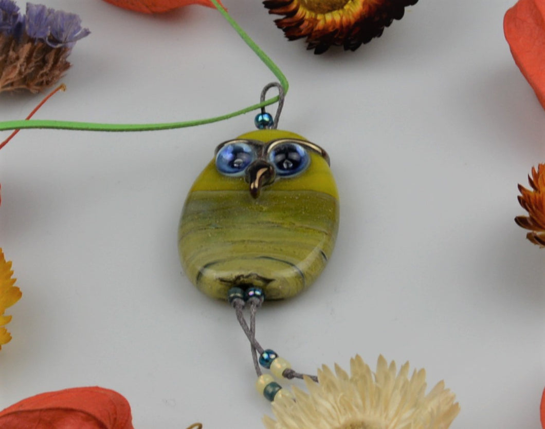Glass pearl necklace - owl