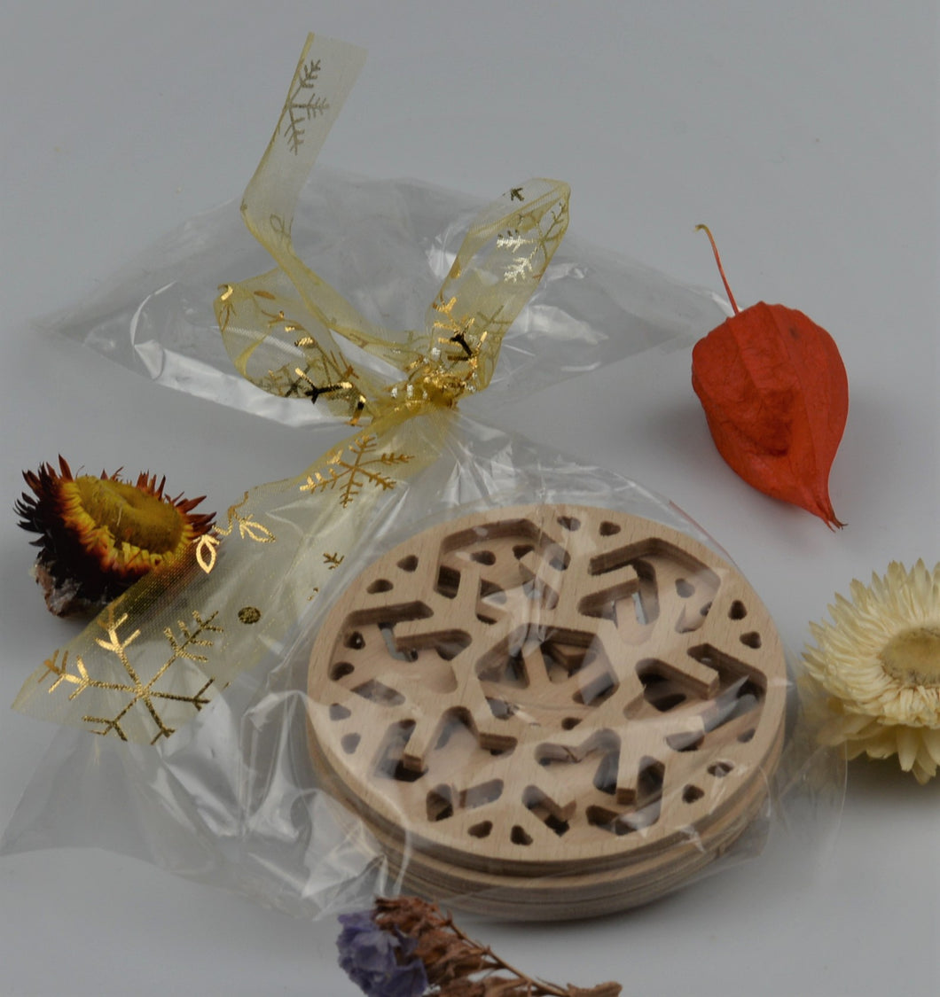 Set of 3 wooden decorations