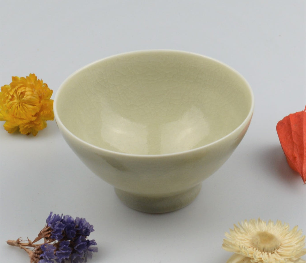 Small porcelain bowl - crackeled