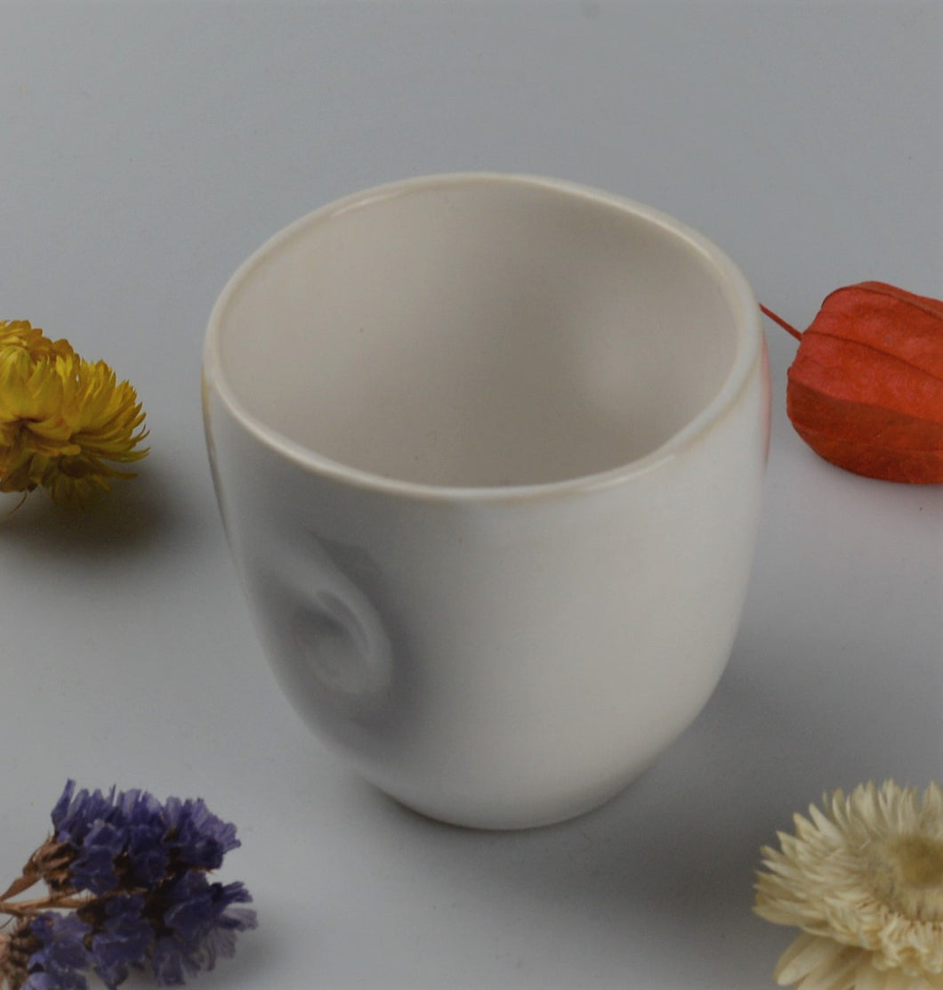 Espresso cup with original design - white