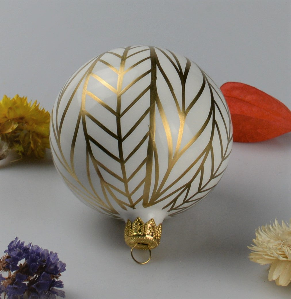 Handmade Christmas ball - white with golden drawing