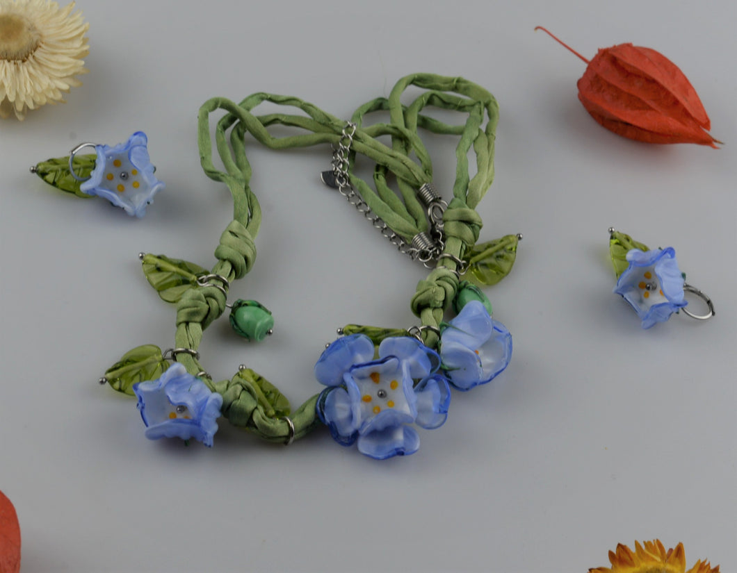 Glass flowers necklace and earings