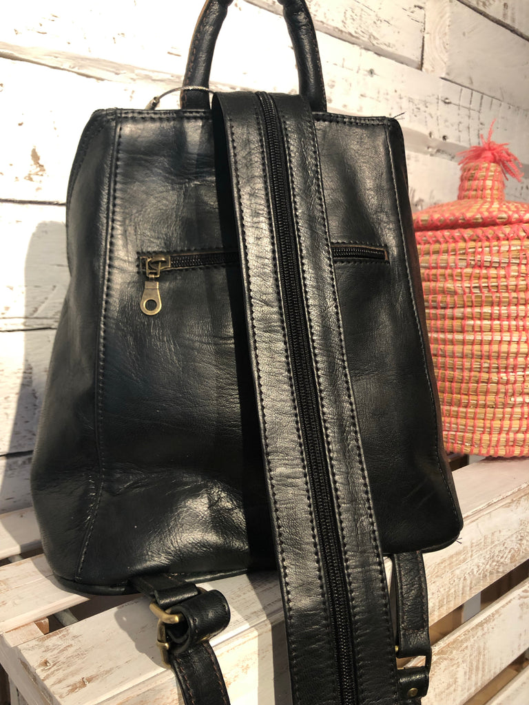 Erfoud Leather Backpack in Black