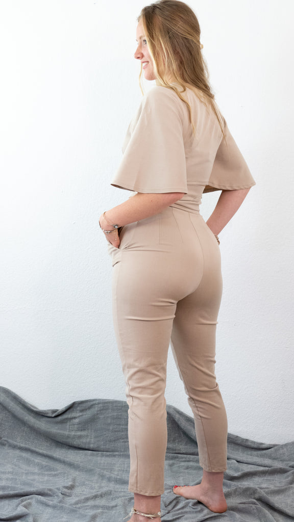 Wickelbluse mit High Waist Skinny Hose