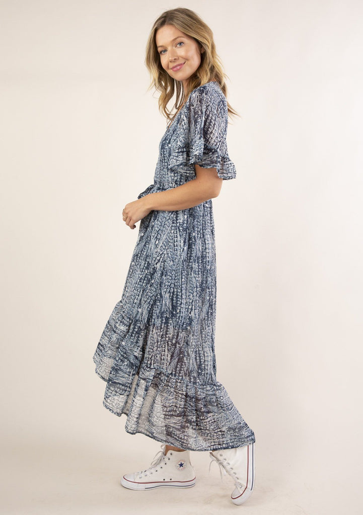 [Color: Navy Blue] Ultra pretty, flowy boho maxi dress. Features an eye catching navy blue abstract feather print throughout.