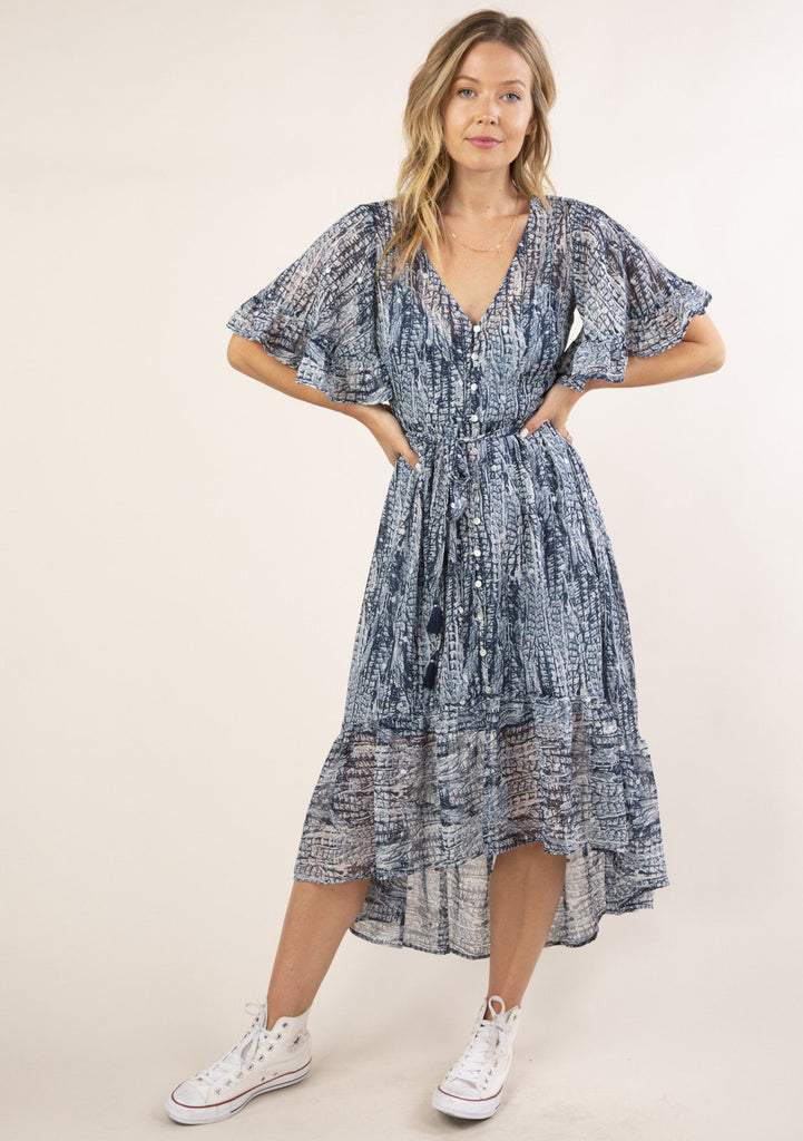 [Color: Navy Blue] Gorgeous and flowy boho maxi dress in an abstract feather print. Features flirty short flutter sleeves.