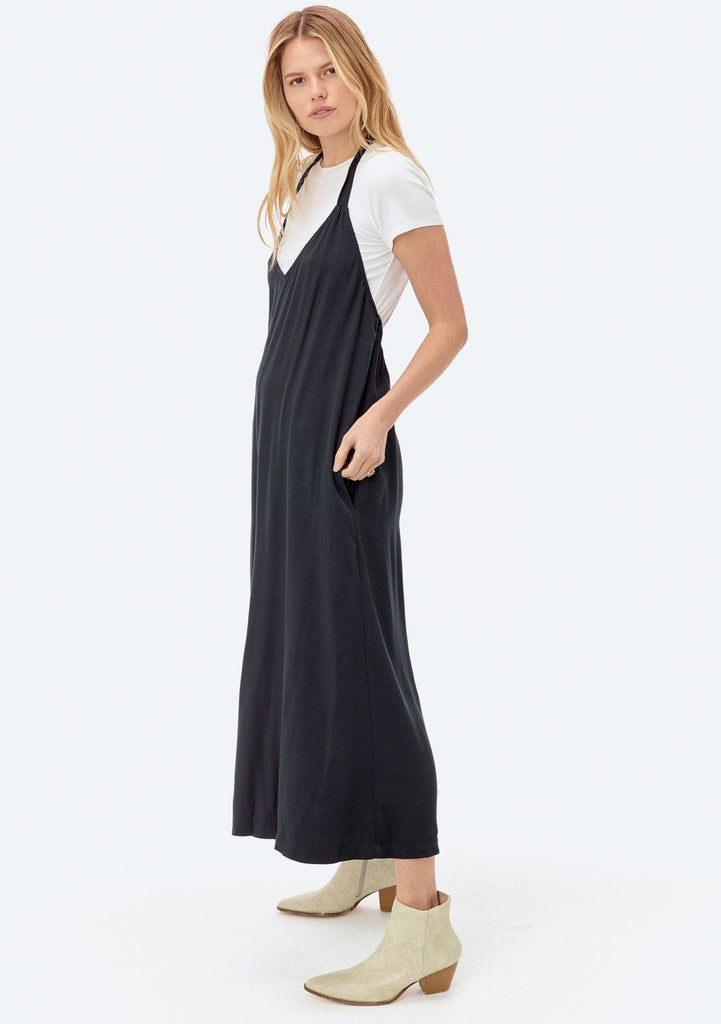 [Color: Black] Lovestitch wide-leg, twill halter jumpsuit.