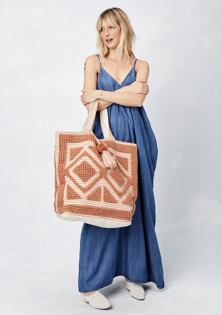 [Color: Amber Brown] Lovestitch oversized, double diamond patterned, carpet beach tote