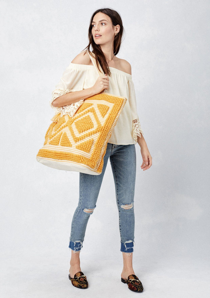 [Color: Camel] Lovestitch oversized, double diamond patterned, carpet beach tote