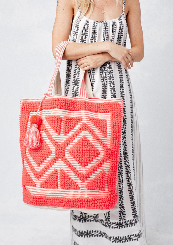 [Color: Coral] Lovestitch oversized, double diamond patterned, carpet beach tote