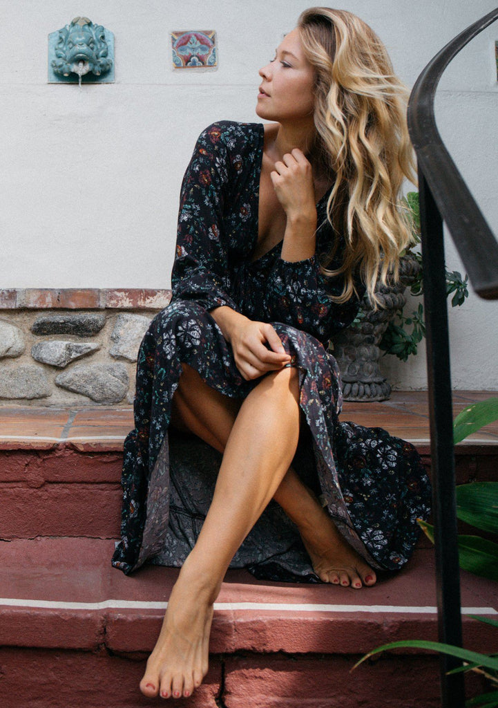 [Color: Black Floral] Elegant and romantic boho maxi dress with ruffled high-low hem, long sleeves and an open back detail