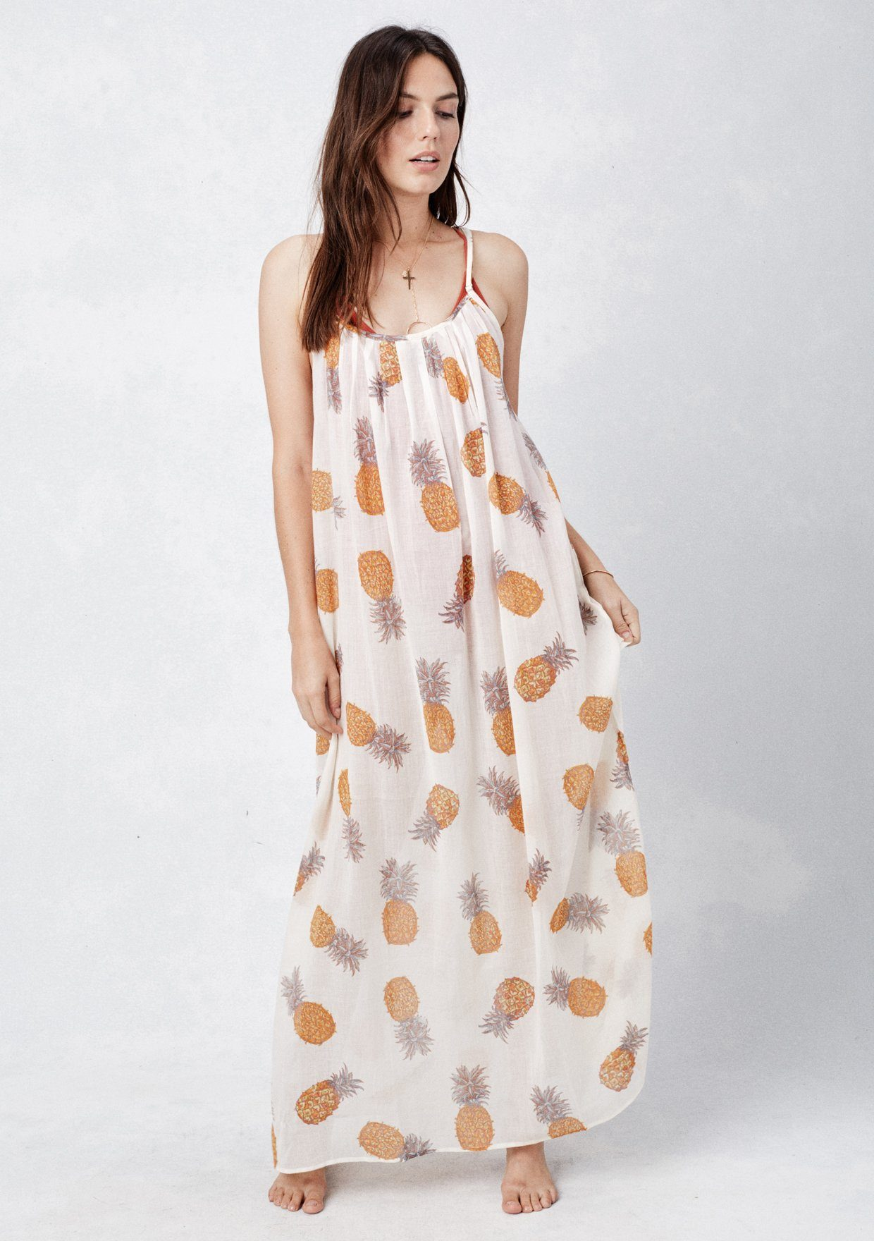 Shop for trendy fashion beach dresses for women online at JustFashionNow. Find the newest styles of beach dresses with affordable prices.