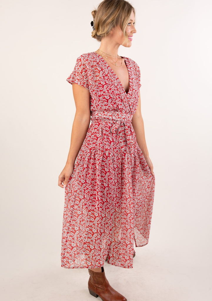 [Color: Red Ivory] Gorgeous seventies inspired floral ditsy midi dress. Featuring a feminine cap sleeve and tiered skirt.