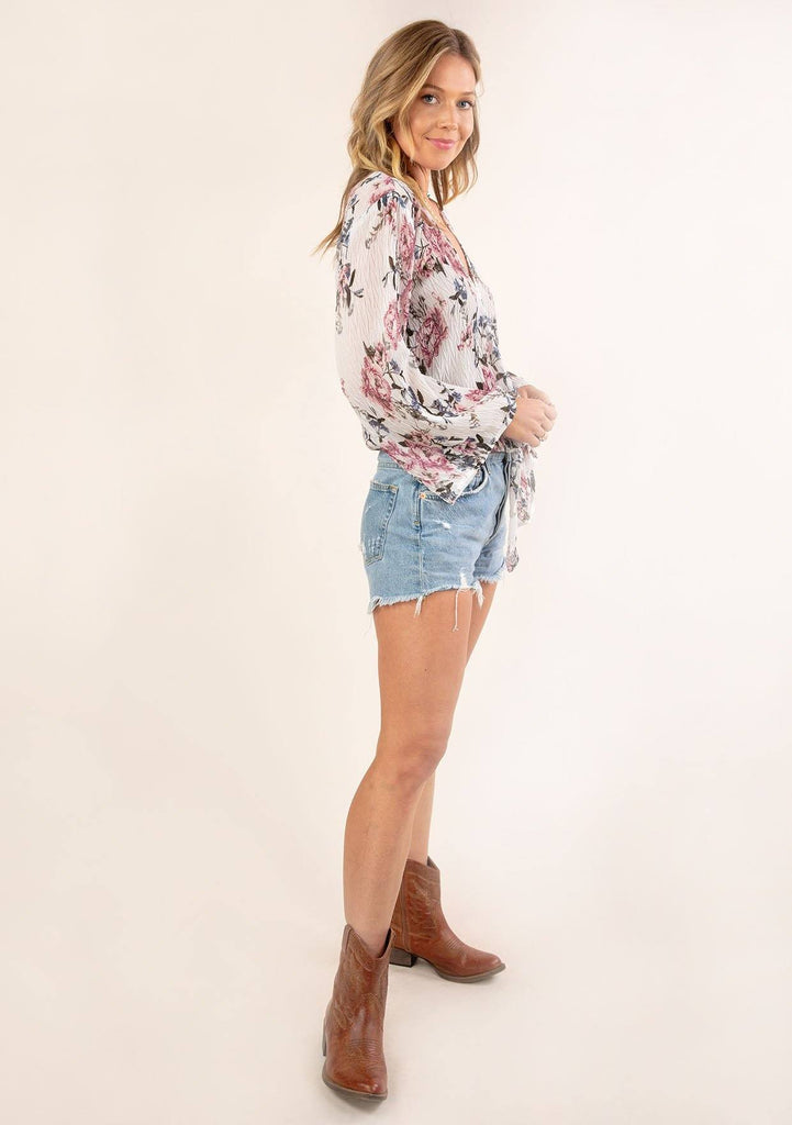 [Color: Ivory Orchid] Gorgeous vintage floral print top. A relaxed fit top in a pretty crepey textured fabric.