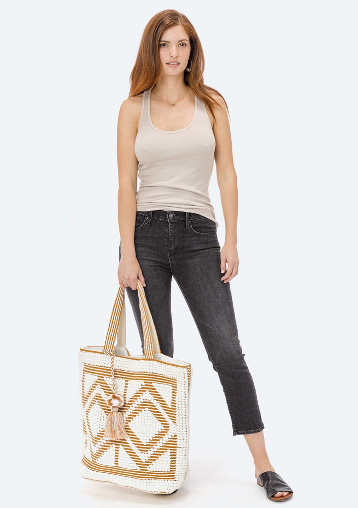 [Color: White/Saddle] Lovestitch oversized, double diamond patterned, carpet beach tote