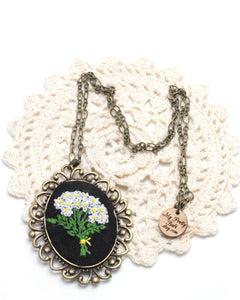 Embroidery Necklace - Daisy Bouquet | On Sale