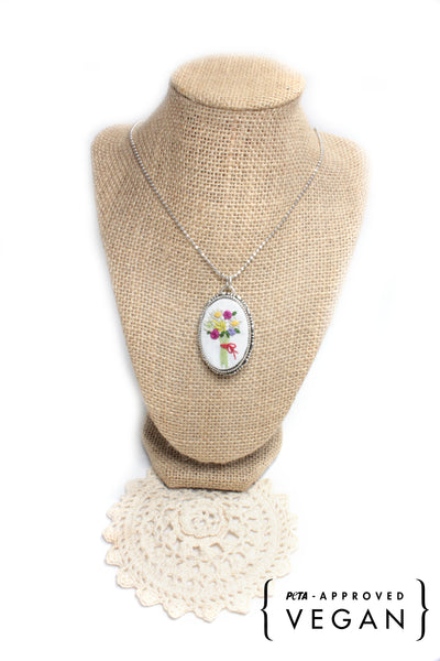 Embroidery Necklace - Flower Bouquet