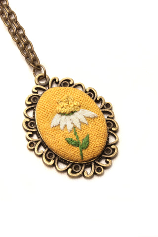 NEW | Embroidery Necklace - Chamomile Flower
