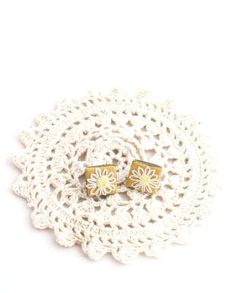 Embroidery Earrings - Daisy | On Sale