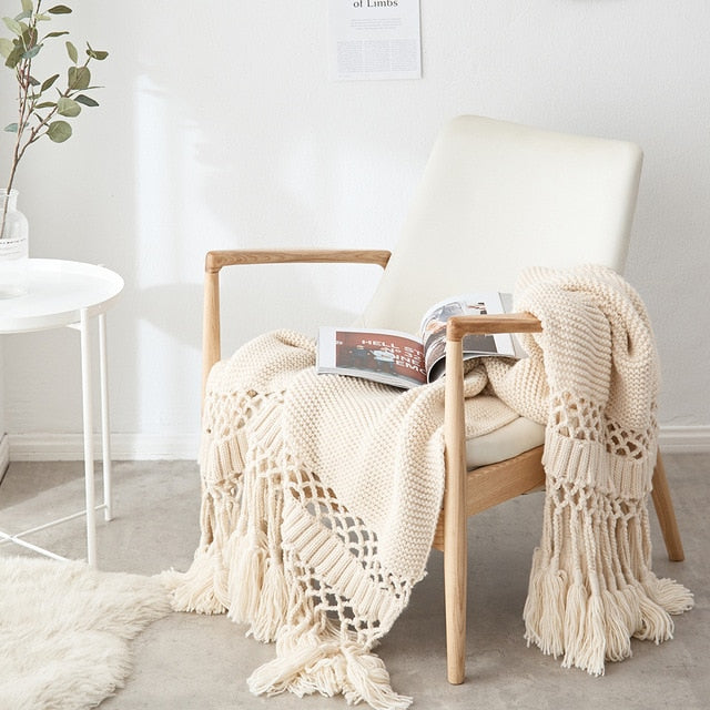 Chunky Knitted Throw with Tassels.