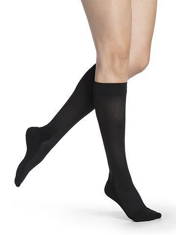 850 Daily Comfort Compression Stockings 20-30mmHg Men's & Women's Calf Knee High by Sigvaris - Footit Medical, CPAP, Stairlift, Orthotic, Prosthetic, & Mobility Supply