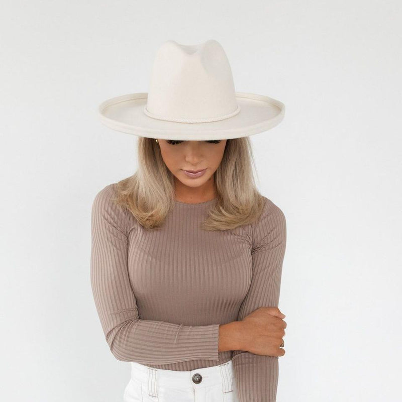 The Cara Loren Pencil Brim Hat - Off White
